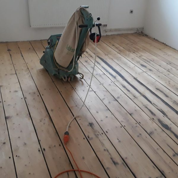https://renovaceparketpraha.cz/wp-content/uploads/2019/02/renovace-drevene-podlahy-11.jpg