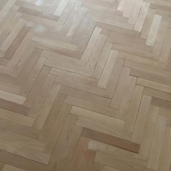 https://renovaceparketpraha.cz/wp-content/uploads/2019/02/renovace-parket-praha-4.jpg