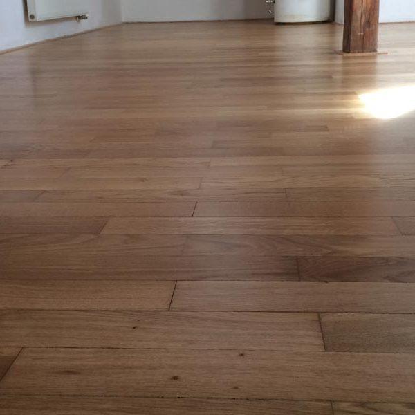 Renovace dřevěné podlahy po vytopení