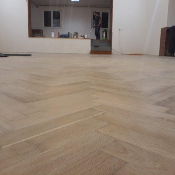 Renovace parket kulturní dům - Pustověky