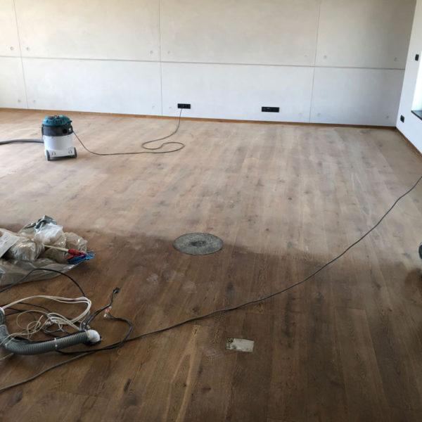 Broušení a olejovaní dřevěných podlah