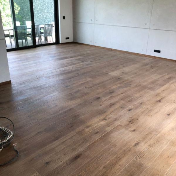 Broušení a olejovaní dřevěných podlah Praha