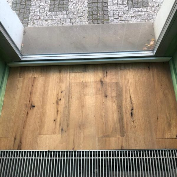 podlaha v restauraci udrzba